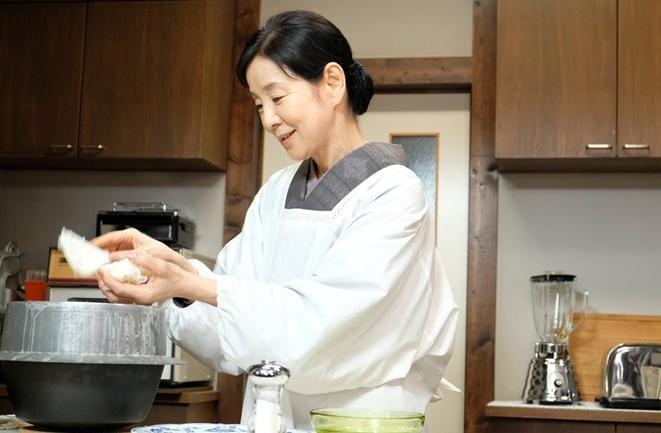 001 150 - 【ケガの功名】女優・吉永小百合(72歳)、25キロのバーベルスクワットし、筋トレの楽しさに気づく