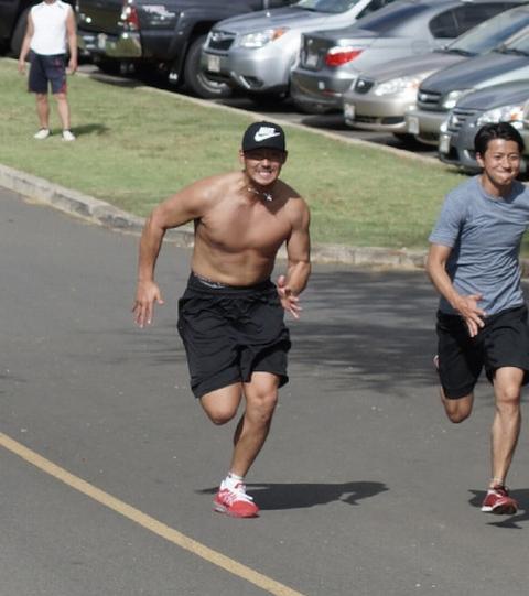 001217 - 【筋肉】日本ハム中田翔内野手(25)が米ハワイで坂道トレーニング