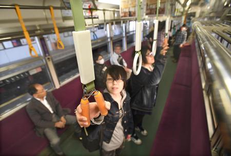 01 24 - 京都の右京区グッジョブ!電車の移動時間を使って筋力トレーニングを。「健康電車」でGOを開始!