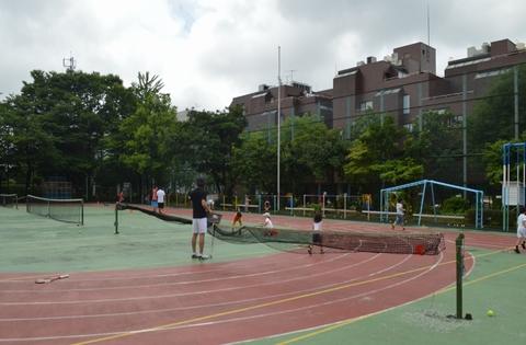 014 - 【親子の会話が増える】南青山で行われている隠れた人気スクール「親子テニス」とは!?