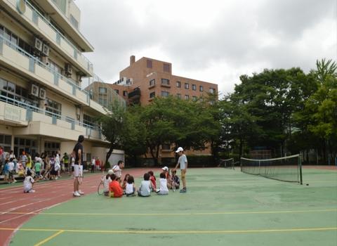 015 - 【親子の会話が増える】南青山で行われている隠れた人気スクール「親子テニス」とは!?