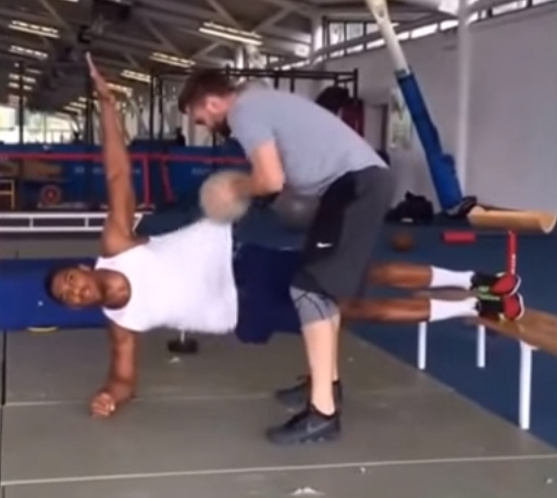 019 1 - 【ヘビー級ボクサー】鍛え抜かれた108キロの体、スタミナとパワーを併せ持つ「アンソニー・ジョシュア」のトレーニング映像