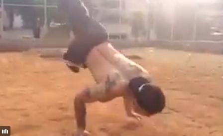 03 11 - 【世界レベルの自重トレ】こんなの100%モテる!ブレイクダンスの猛者が行う、空中腕立てからエアートラックスが凄い