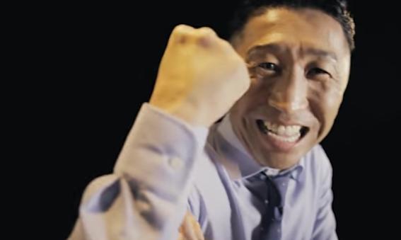 04jpg - 筋肉的にこれは確かに迷惑すぎ!「いきなり腕相撲をしたがる」内藤大助主演『博多の華 むぎ』35周年動画、こんな上司は「飲みニケーション」禁止!