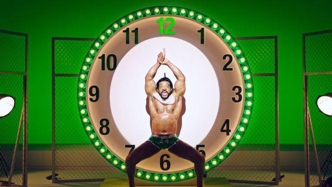 004 37 - 午前8時「おはようゴザイマースッ!」筋肉で時刻をお知らせする筋肉時報『24時間フィットネスFORBES』が配信中