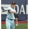 160345 120x120 - 【アーロン・ポレダ】身長 198 cm 体重 109 kg 読売ジャイアンツに所属するプロ野球選手(投手)